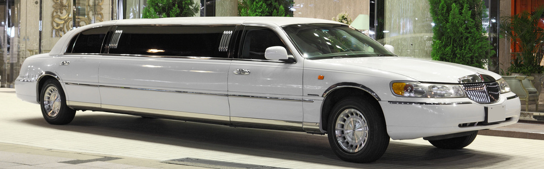 Stretch Lincoln Town Car Limousine
